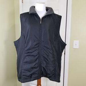NWT Avenue black vest